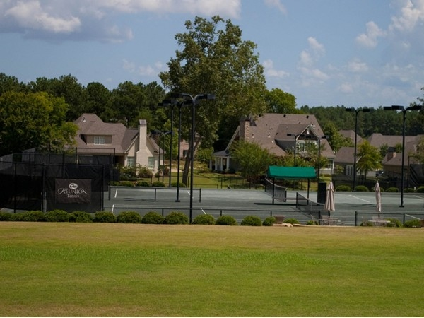 Awesome tennis courts at Reunion!