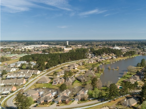 Lakeshore subdivision in Hattiesburg. View from a drone