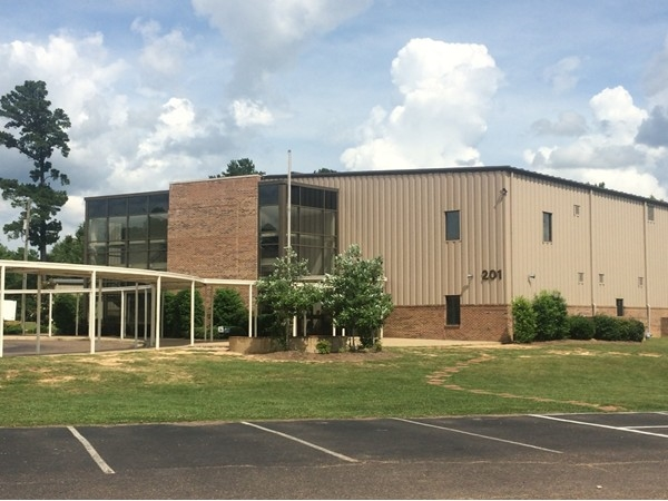 Park Place Christian Academy is convenient to both Pearl and Brandon